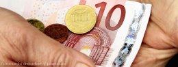 Gleicher Lohn für gleiche und gleichwertige Arbeit muss als Grundsatz gelten - Foto: uschi dreiucker  / pixelio.de